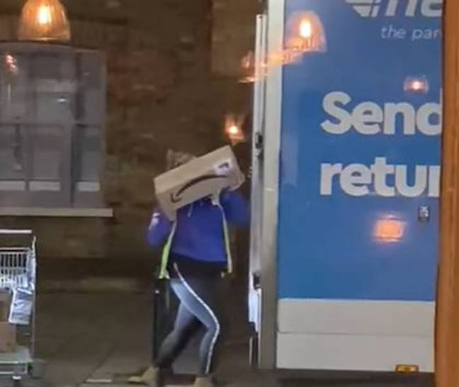 Delivery driver throwing parcels into van (Justin Dracup/Facebook)